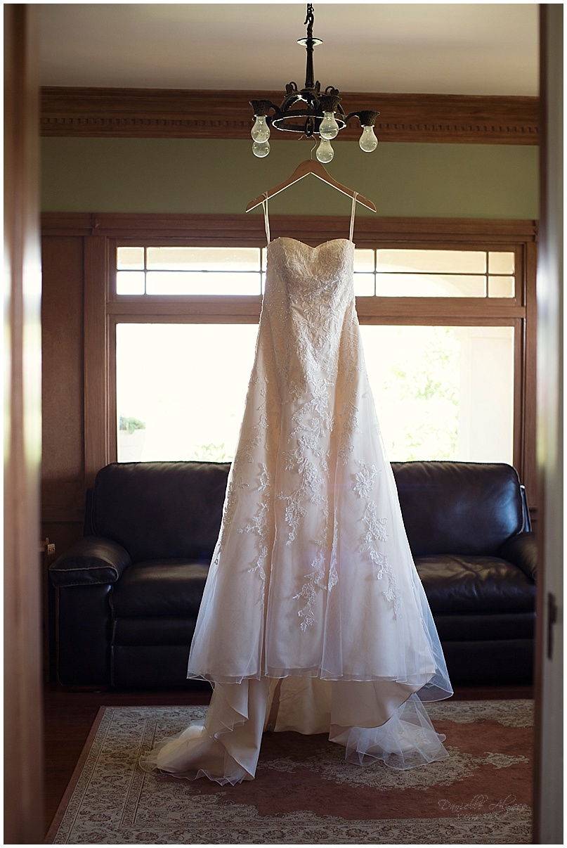 150816_blog_sacramento_wedding_photographer_danielle_alysse_photography_scribner_bend_vineyard_montgomery_002.jpg