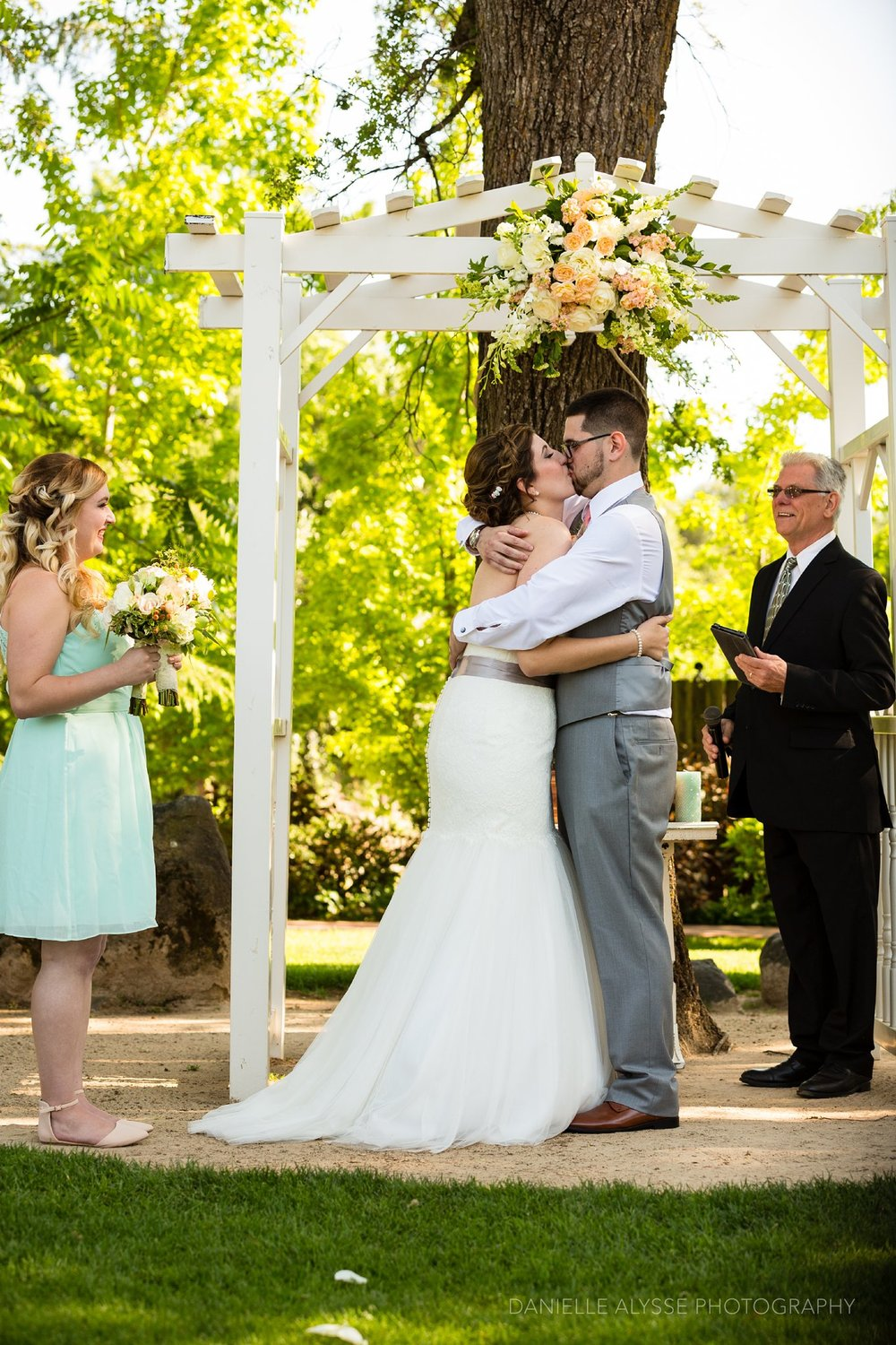 170507_blog_megan_david_wedding_loomis_flower_farm_inn_danielle_alysse_photography_sacramento_photographer0201_WEB.jpg