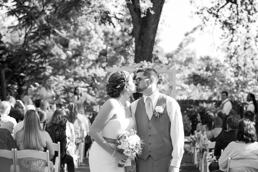 170507_blog_megan_david_wedding_loomis_flower_farm_inn_danielle_alysse_photography_sacramento_photographer0207_WEB.jpg