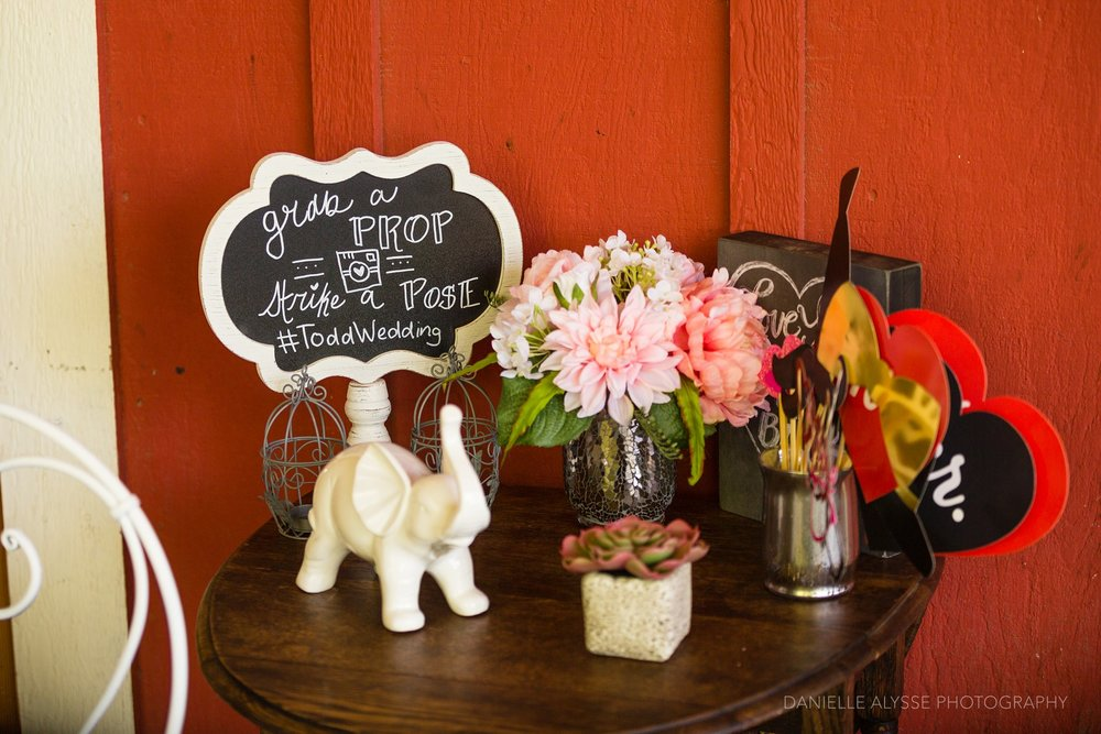 170507_blog_megan_david_wedding_loomis_flower_farm_inn_danielle_alysse_photography_sacramento_photographer0426_WEB.jpg
