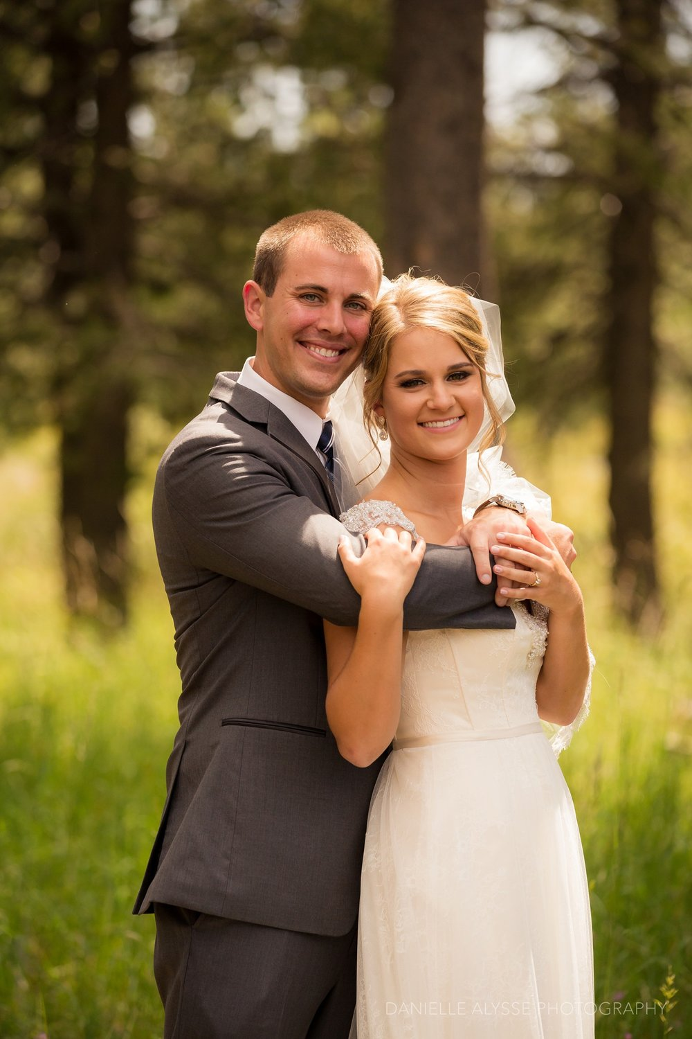 170819_blog_leslie_jeremy_wedding_bear_valley_lodge_arnold_danielle_alysse_photography_sacramento_photographer_deliver253_WEB.jpg