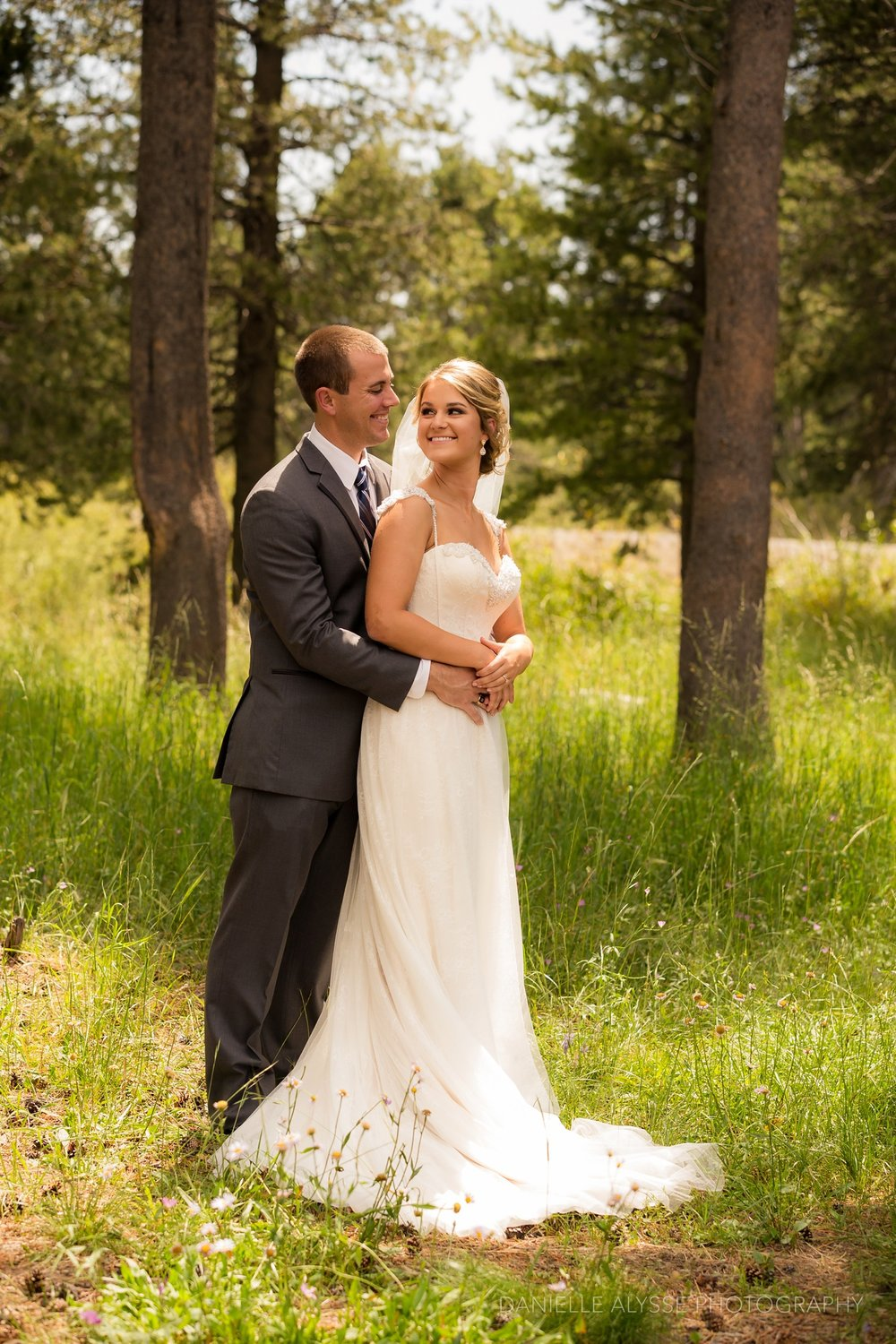 170819_blog_leslie_jeremy_wedding_bear_valley_lodge_arnold_danielle_alysse_photography_sacramento_photographer_deliver245_WEB.jpg
