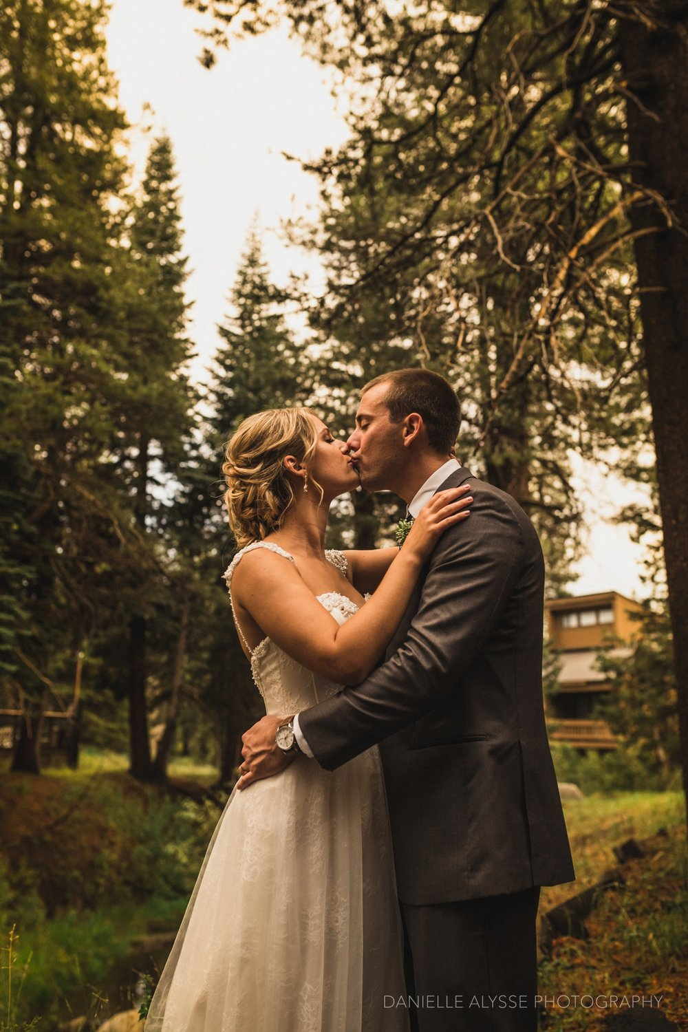 170819_blog_leslie_jeremy_wedding_bear_valley_lodge_arnold_danielle_alysse_photography_sacramento_photographer_deliver689_WEB.jpg