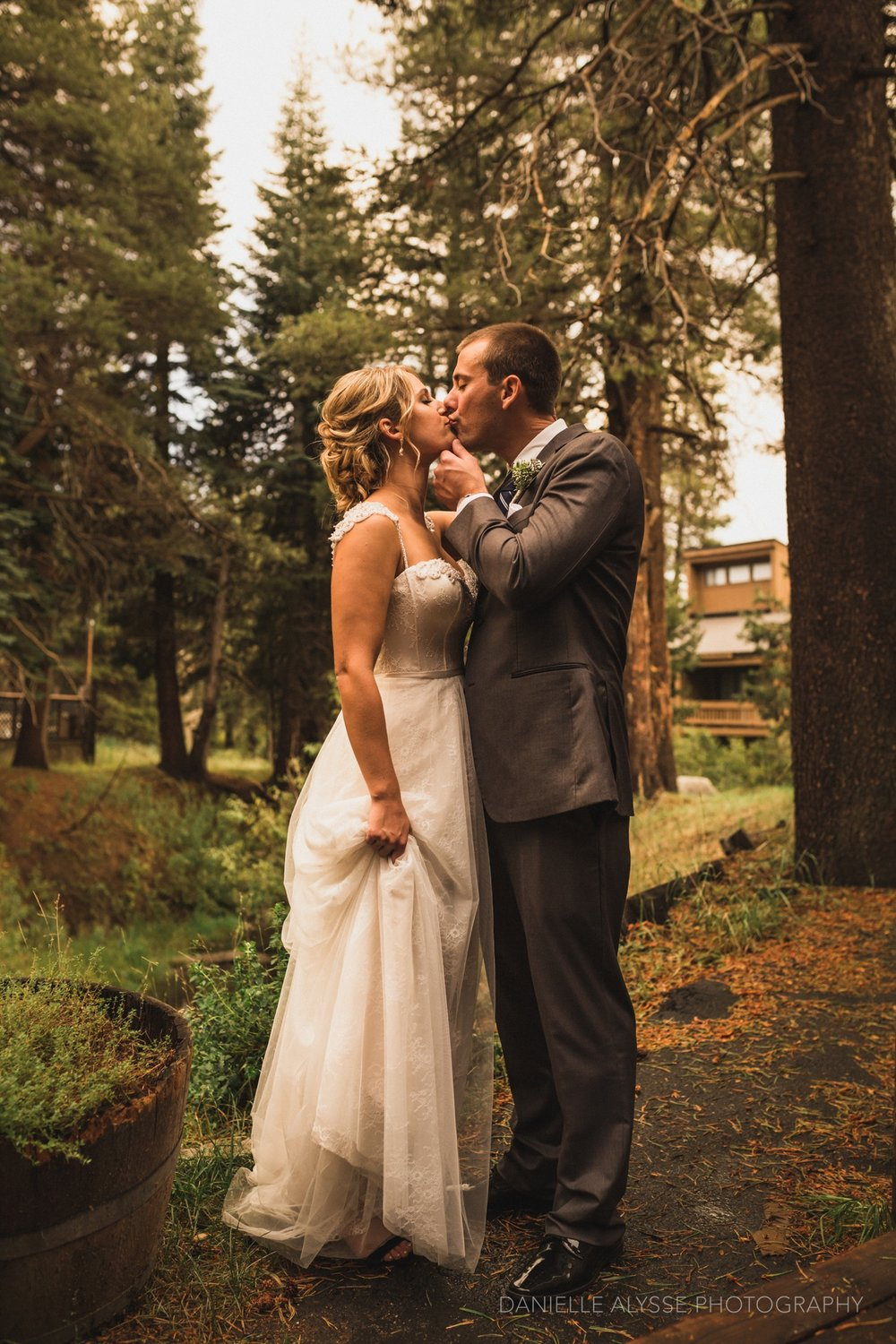 170819_blog_leslie_jeremy_wedding_bear_valley_lodge_arnold_danielle_alysse_photography_sacramento_photographer_deliver692_WEB.jpg