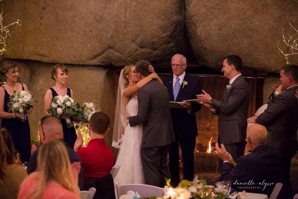 170819_blog_leslie_jeremy_wedding_bear_valley_lodge_danielle_alysse_photography_sacramento_photographer-372_WEB.jpg