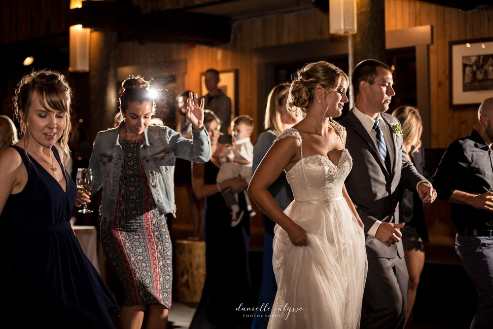 170819_blog_leslie_jeremy_wedding_bear_valley_lodge_danielle_alysse_photography_sacramento_photographer-547_WEB.jpg