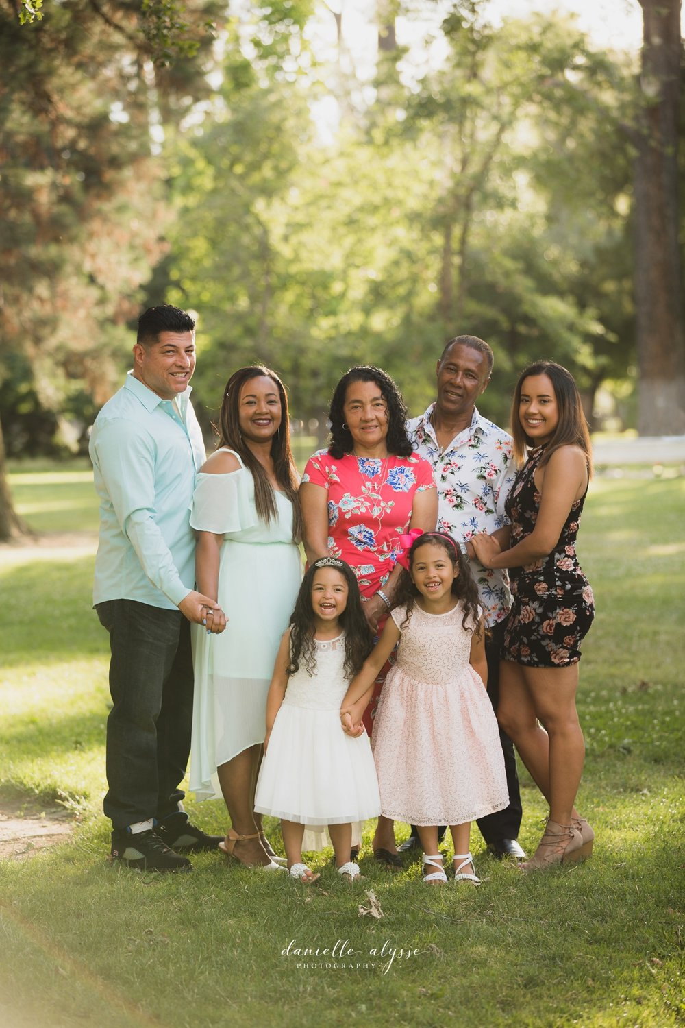 180604_family_portrait_eresvey_state_capitol_park_california_danielle_alysse_photography_blog_31_WEB.jpg