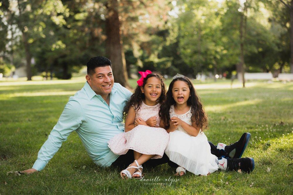 180604_family_portrait_eresvey_state_capitol_park_california_danielle_alysse_photography_blog_35 copy_WEB.jpg