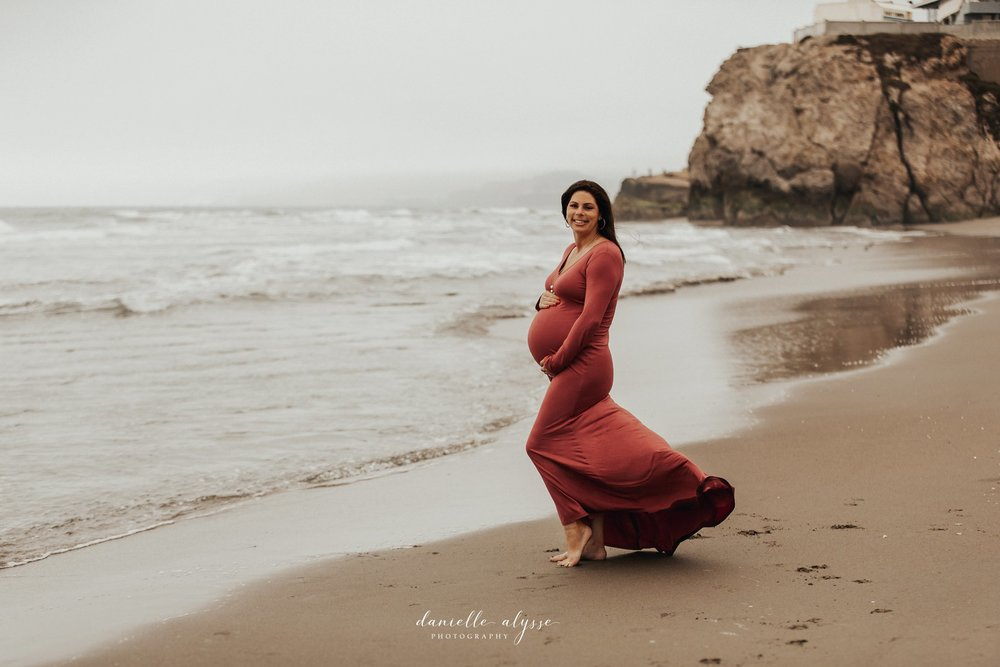 180730_maternity_kim_ben_san_francisco_sutro_baths_dog_puppy_danielle_alysse_photography_blog_20_WEB.jpg
