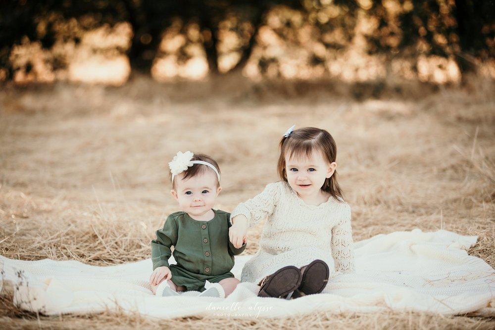181021_fall_family_portrait_elk_grove_hill_park_monica_danielle_alysse_photography_3_WEB.jpg