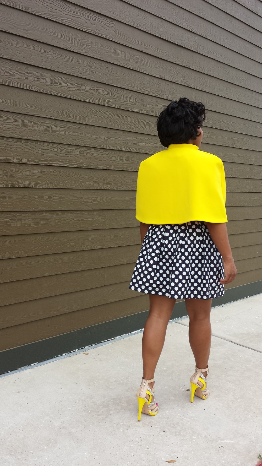 DIY Yellow Cape on www.3DegreesDB.com