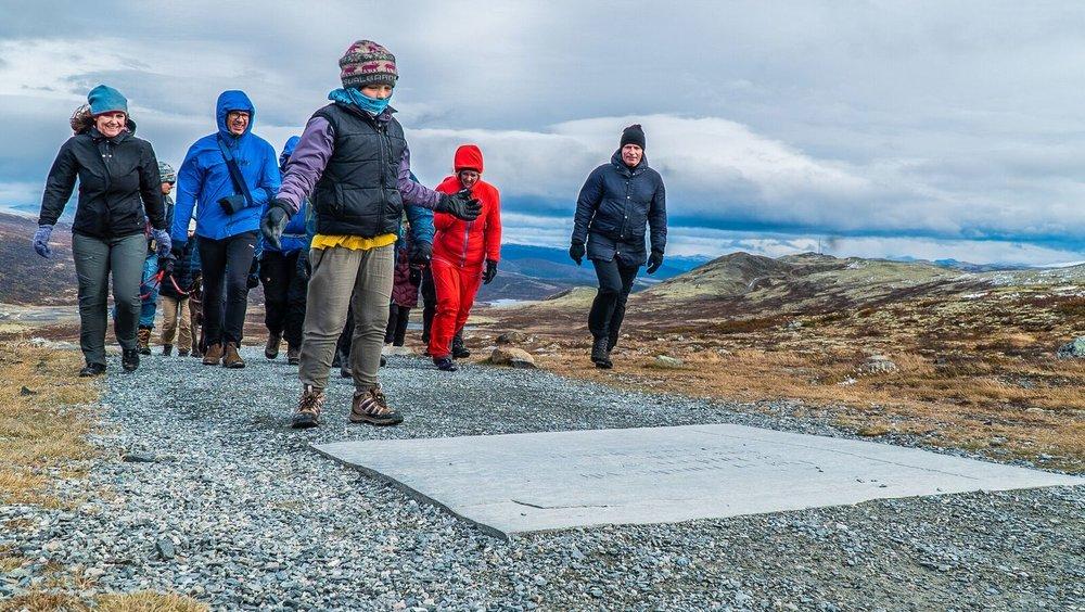 På veien opp til viewpoint Snøhetta formidles villreinen og menneskenes 10 000 årige historie i Norge.  Foto: Rebecca Nedregotten Strand.