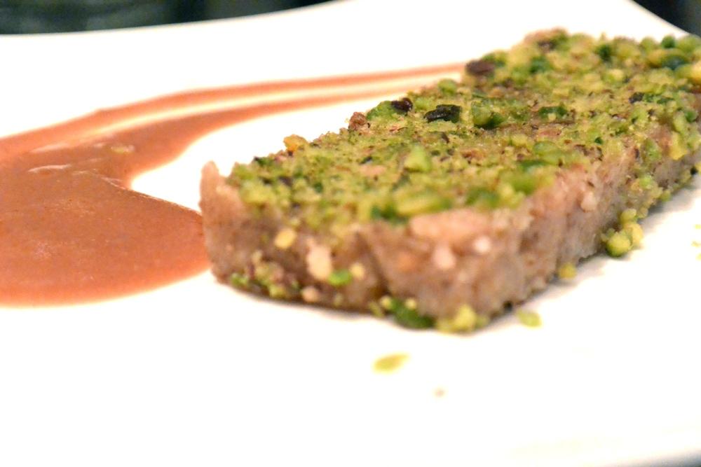 Turrón aux pistaches et caramel de caroube