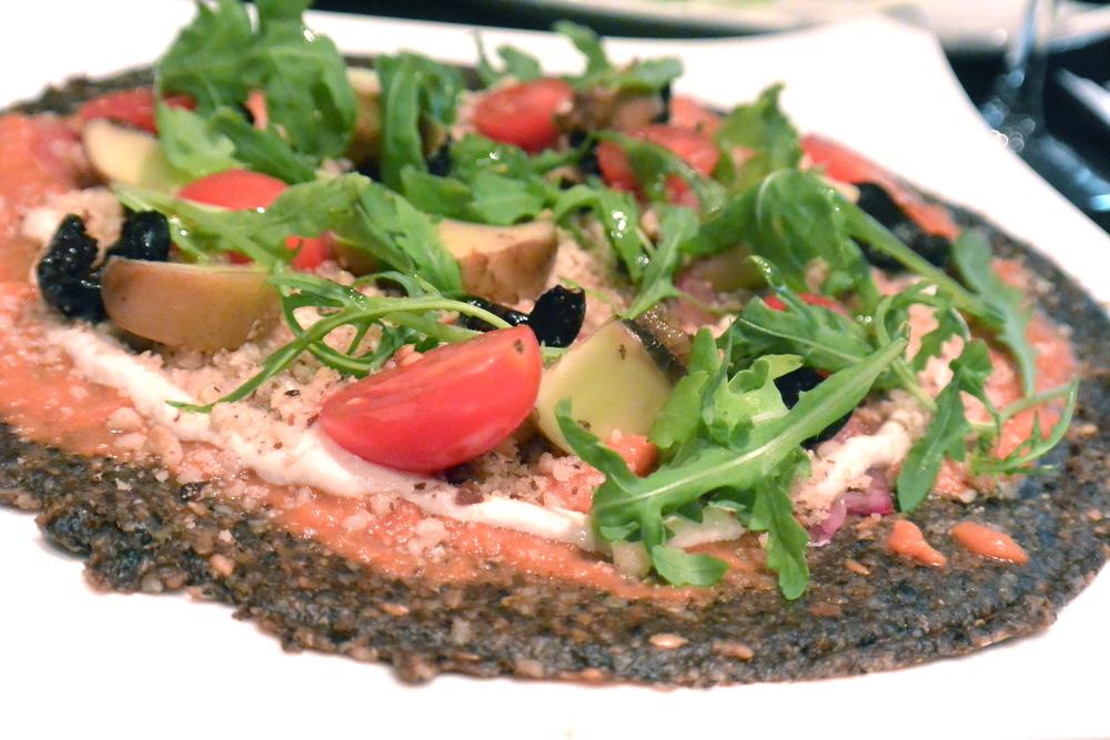 Raw Vegan Pizza in Paris
