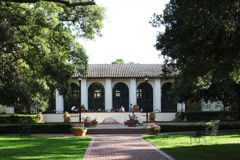 Lagunita Courtyard
