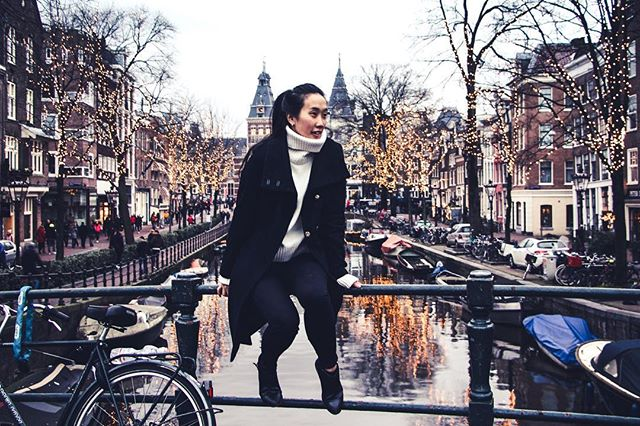 So lucky to call this beautiful city my adopted home 😊 have met some amazing people and had some wild experiences 🙌🏼 #Amsterdam ... it'll be so hard to leave you! ••• 📸 for more travel inspiration, make sure to check out my new creative project 👉🏽 @thetravelquandary