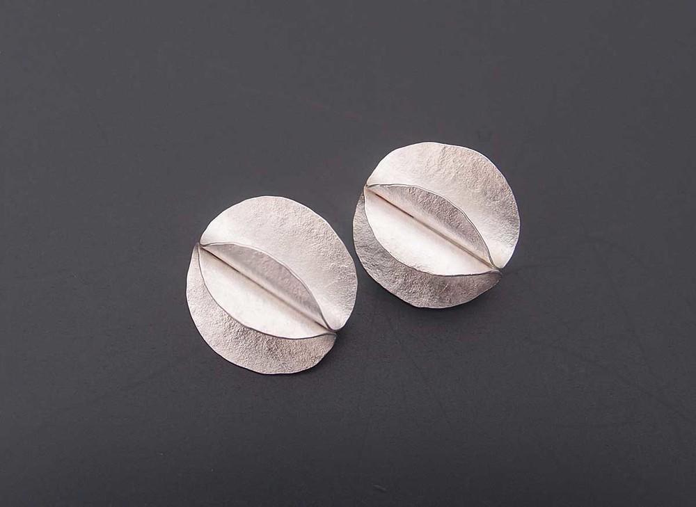 Silver curve earrings
