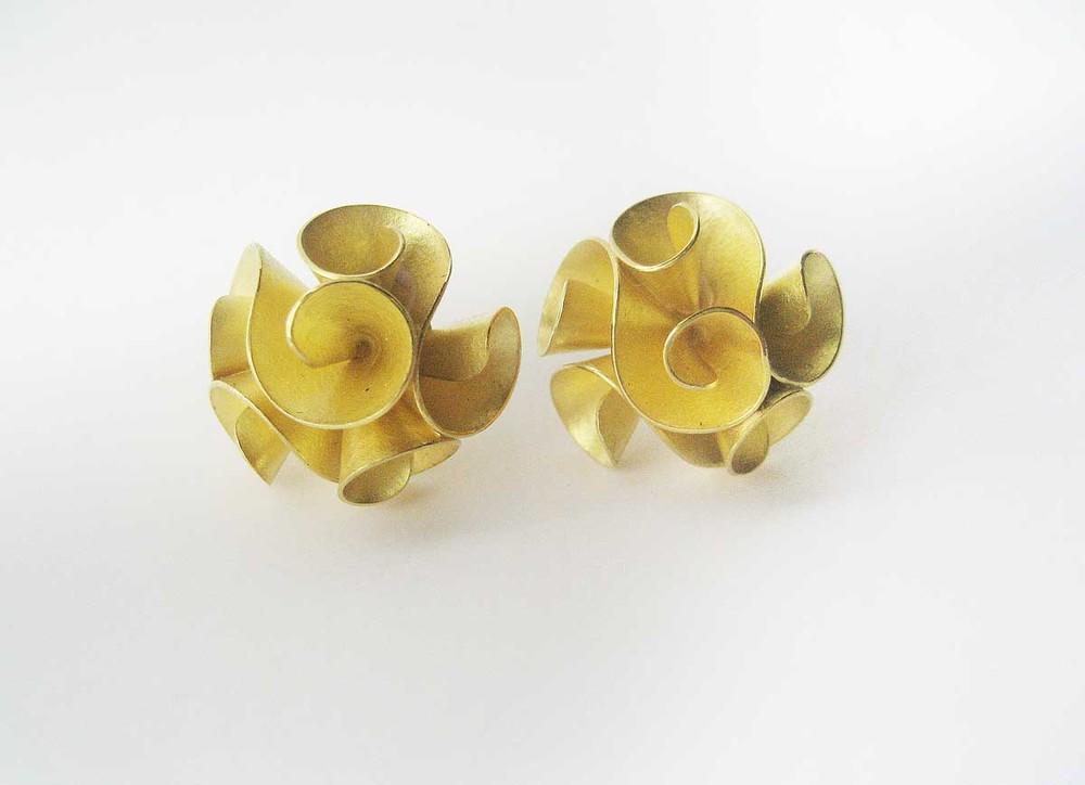 18ct. gold earrings