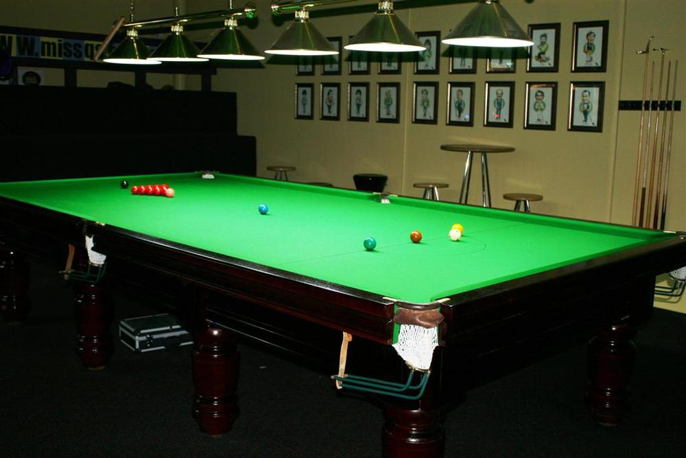 Snooker Table (Large).jpg