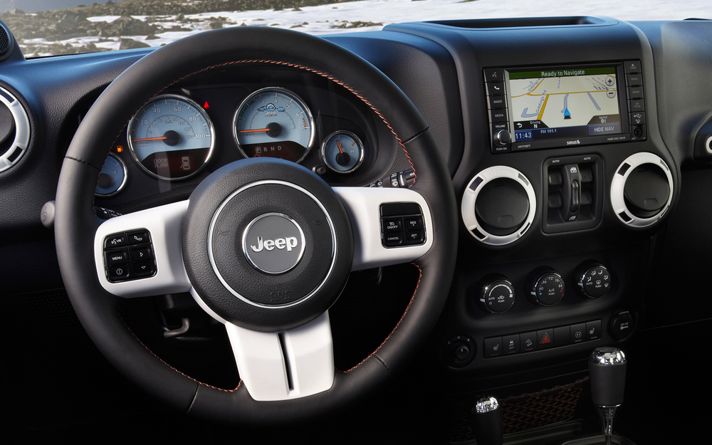 2012 Jeep Wrangler Arctic Edition gauge design