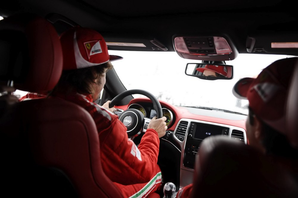 Jeep Grand Cherokee SRT8 Ferrari   Special Edition   for F1 drivers   Felipe Massa and Fernando Alonso
