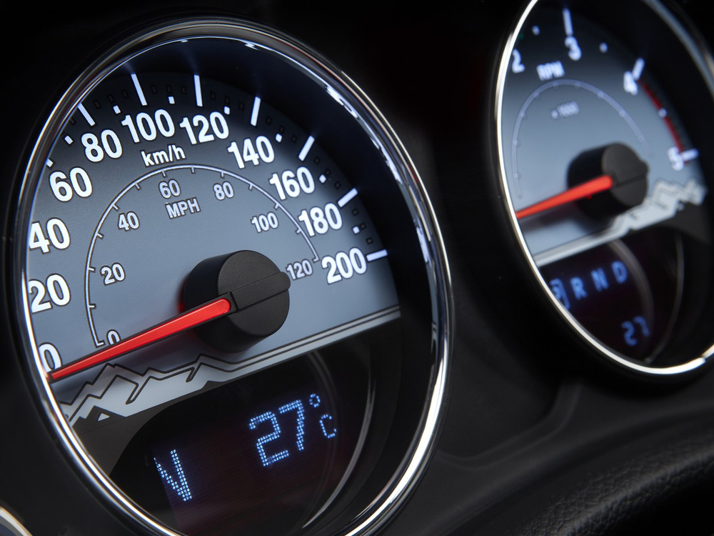 2014 Jeep Wrangler Polar Edition gauge design