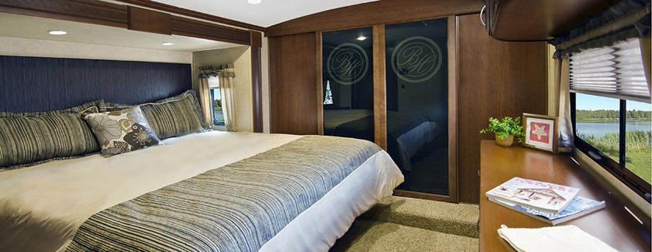 Bay_Hill_310RE_Bedroomweb.jpg