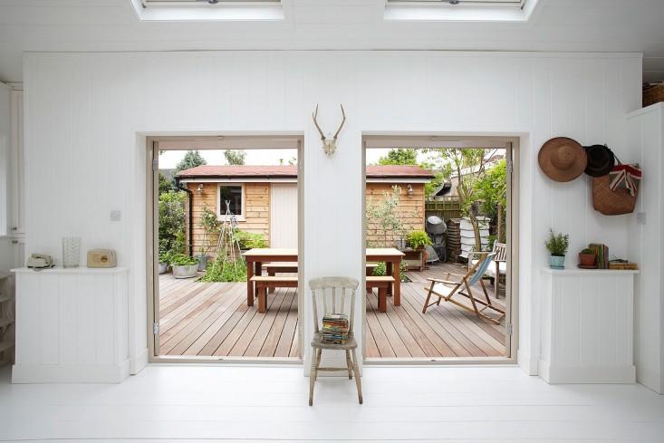 summerhouse gardenista 3.jpg