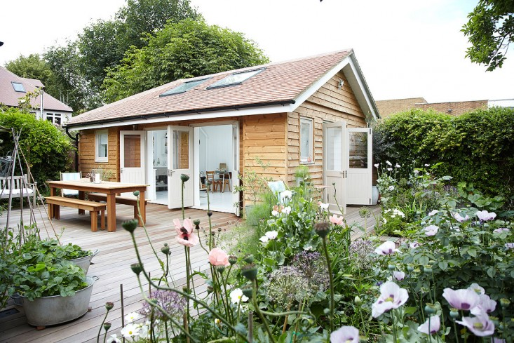 summerhouse gardenista 4.jpg
