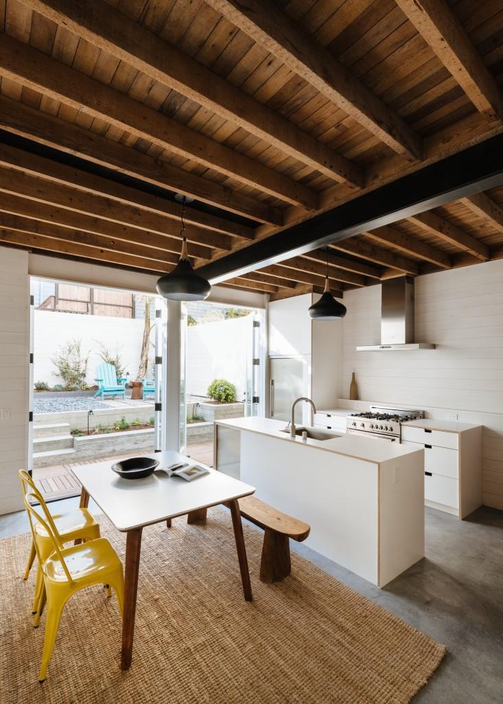 white house kitchen.jpg