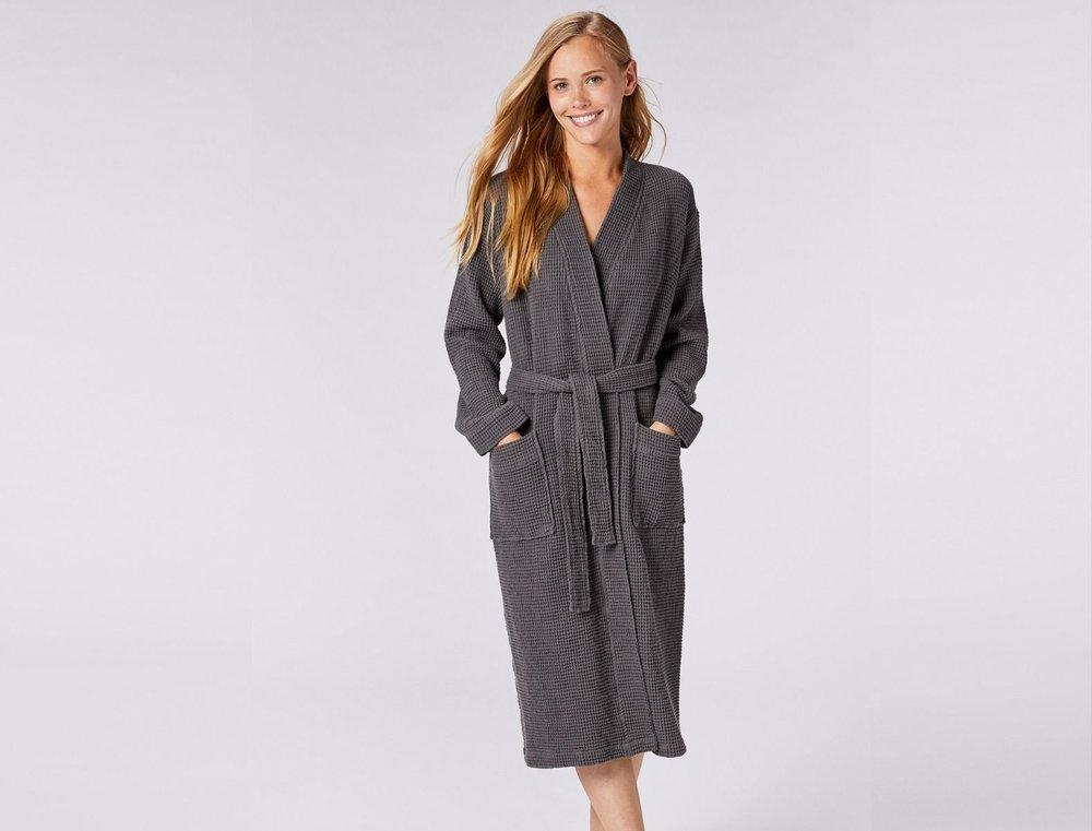 coyuchi robe.jpg