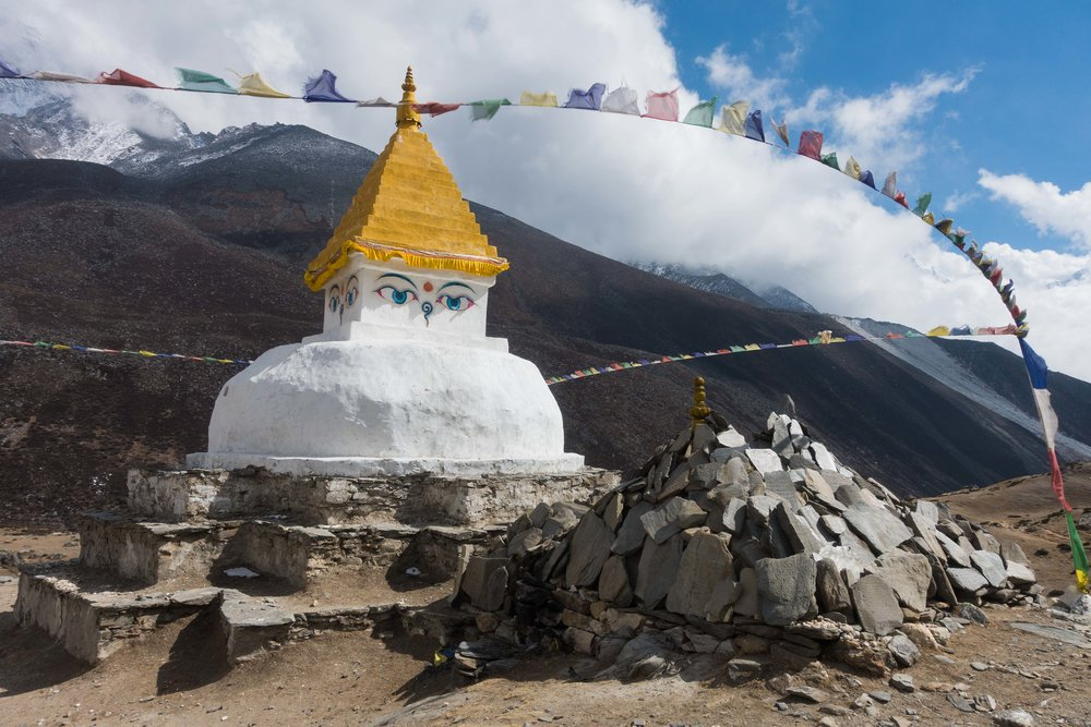 Chorten in Dingboche