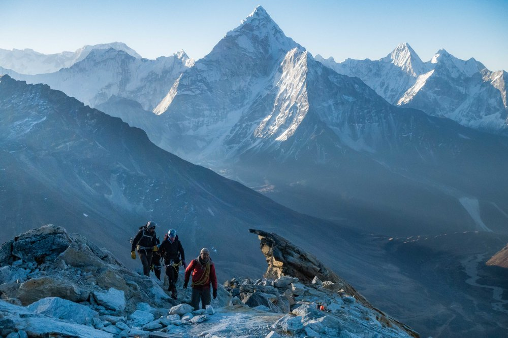 Walking the ridge to crampon point on Lobuche