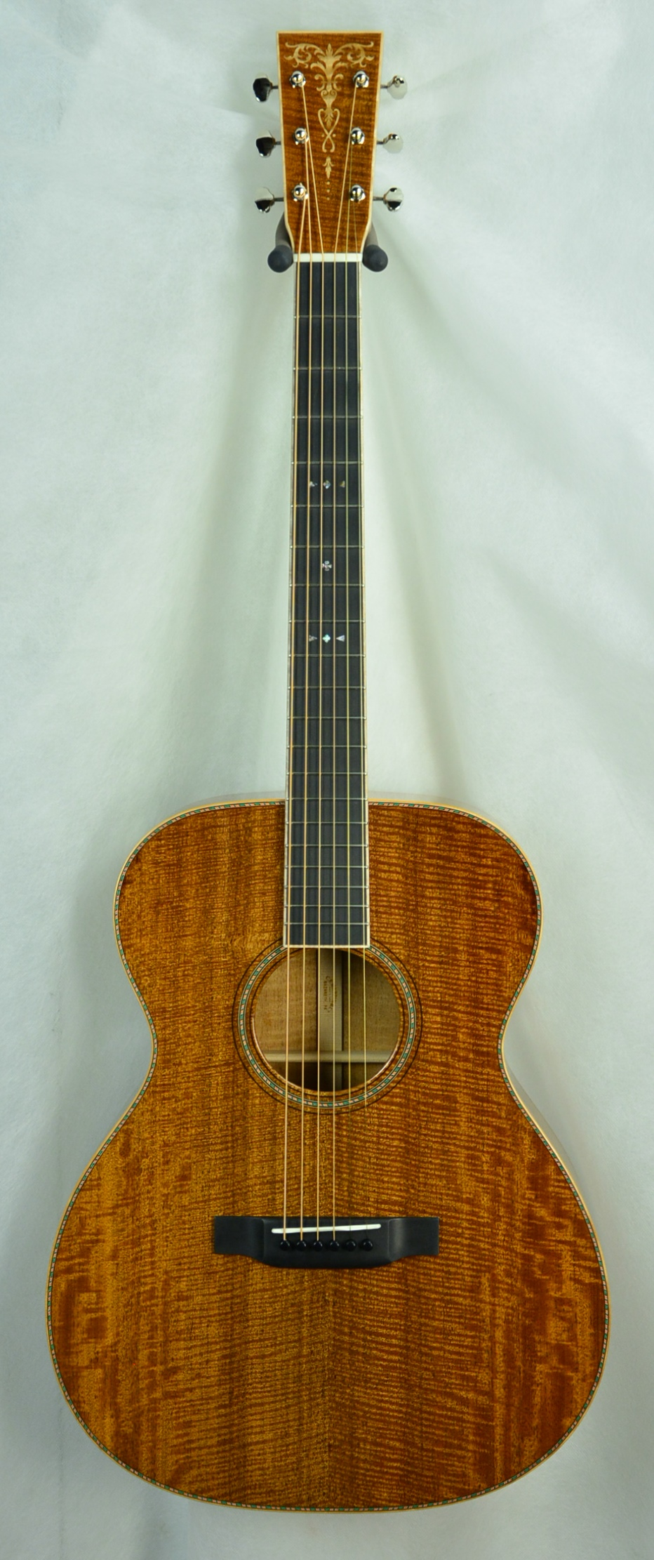 Q-2499624 S-1880673 OM Fiddleback TBS Maple inlay (1).JPG