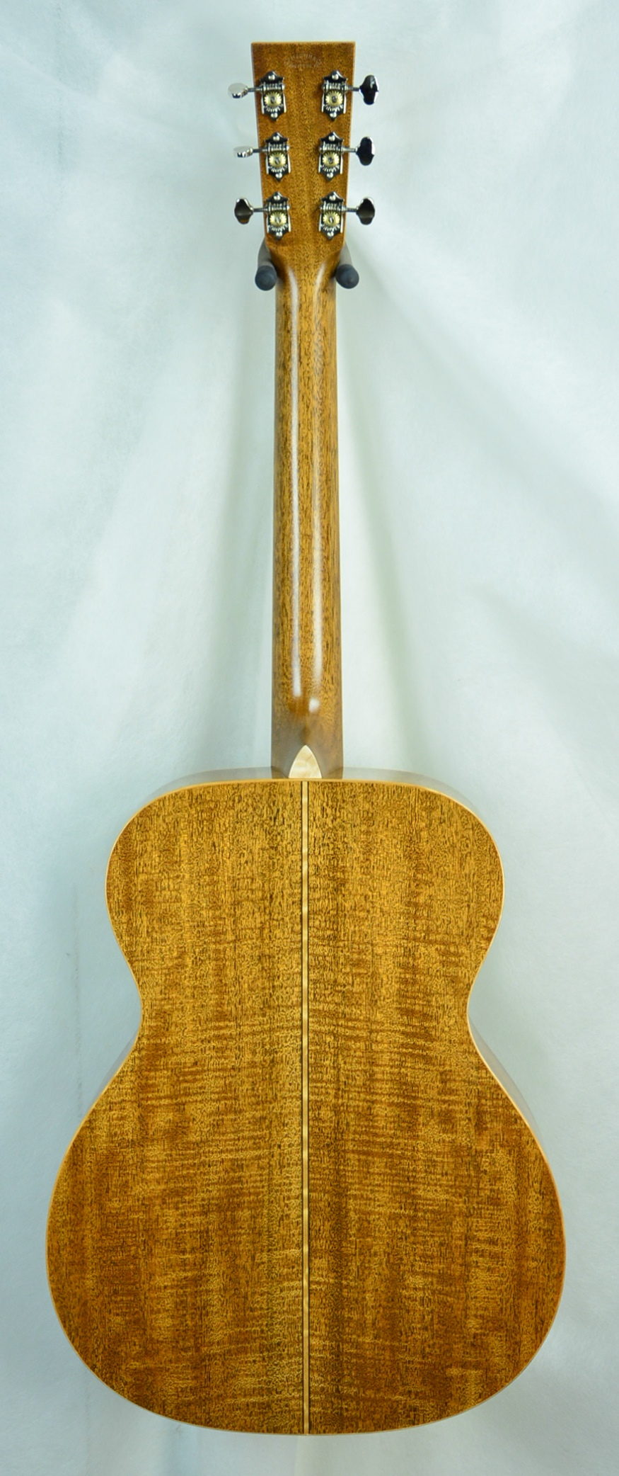 Q-2499624 S-1880673 OM Fiddleback TBS Maple inlay (3).JPG