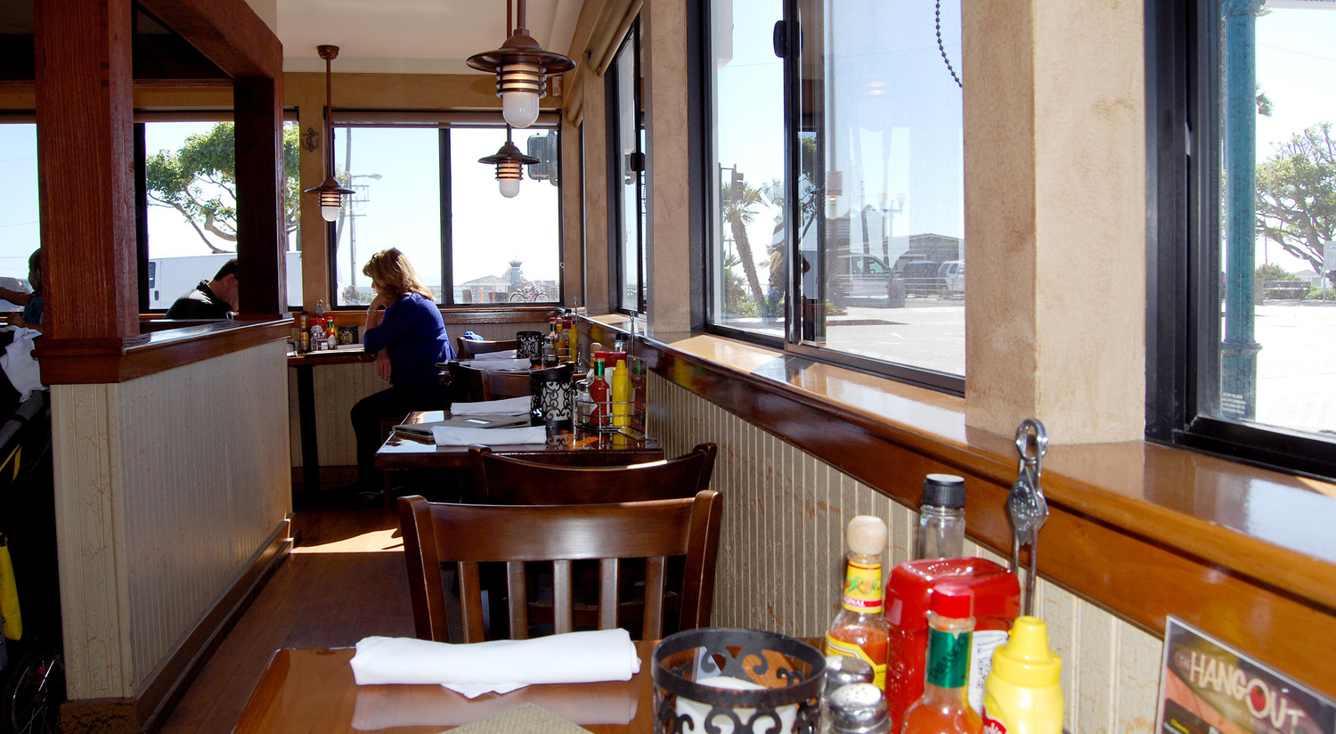 Lunch Restaurant In Seal Beach CA