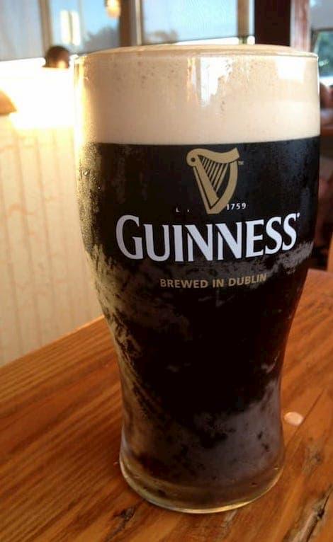 Seal-Beach-Bar--Main-Street-Serving-Guiness-Beer-.jpg