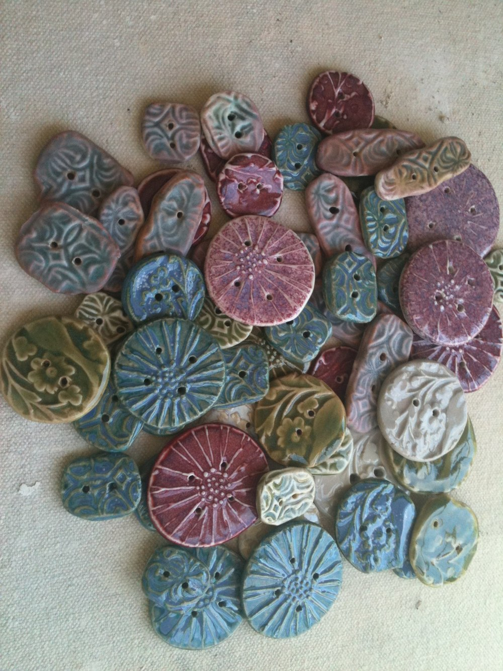 Porcelain buttons