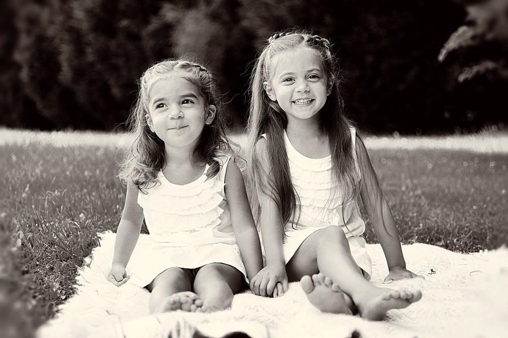 sisterssittingbw_1.jpg