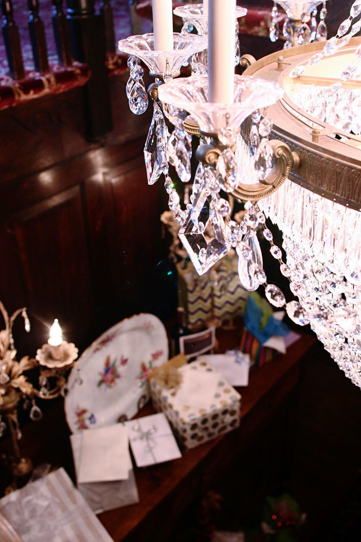 gifts_chandelier_1.jpg