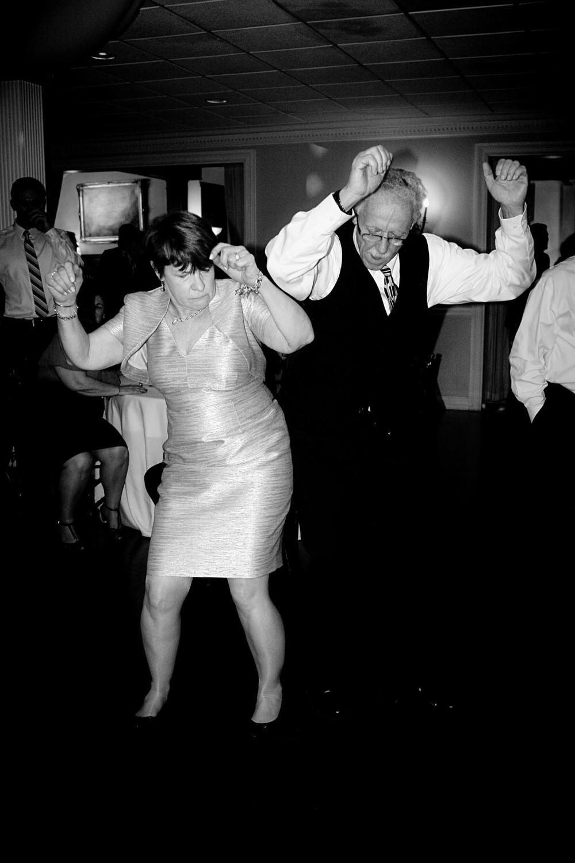 lenny_guest_dancing_bw_3.jpg