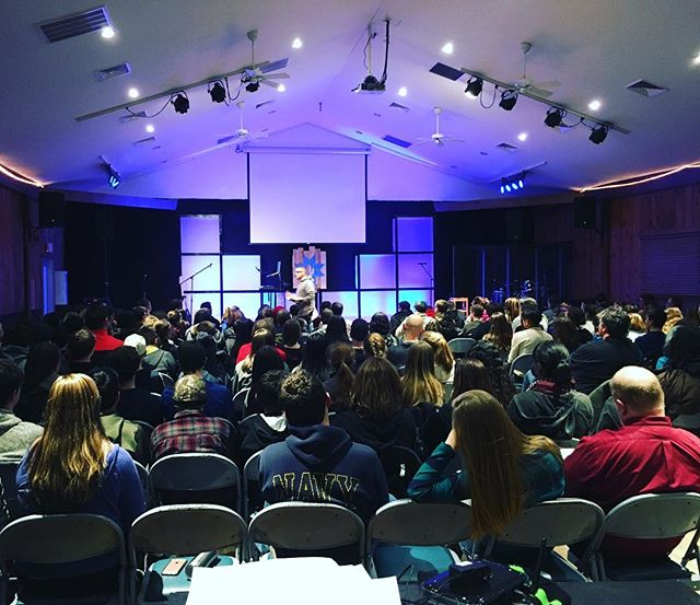 Here we go!  Encounter week 2 at @monadnockbible A couple hundred teenagers sitting under the Word and worshiping Jesus for the weekend.  #hellomynameis #encounter #forgiven #ourkingiscoming #jesusisgreater #worship