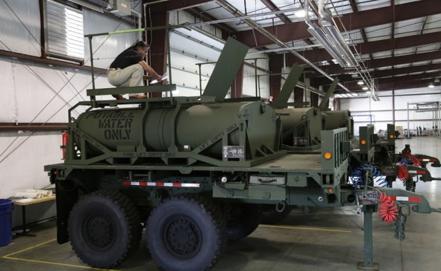 CAMEL low-profile water tank modules as part of US Army's CAMEL II Unit Water Pod programme (Photo: Choctaw Defense)