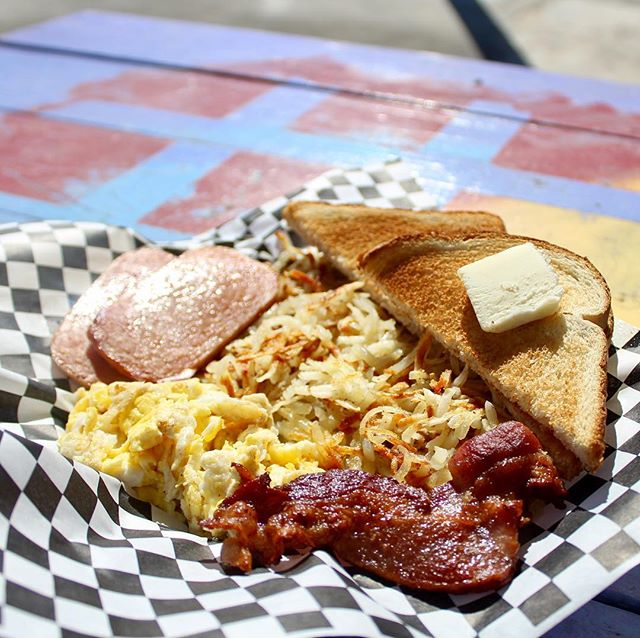 Dreamland offers a hearty breakfast, anytime of day! #thehitchsm #breakfast