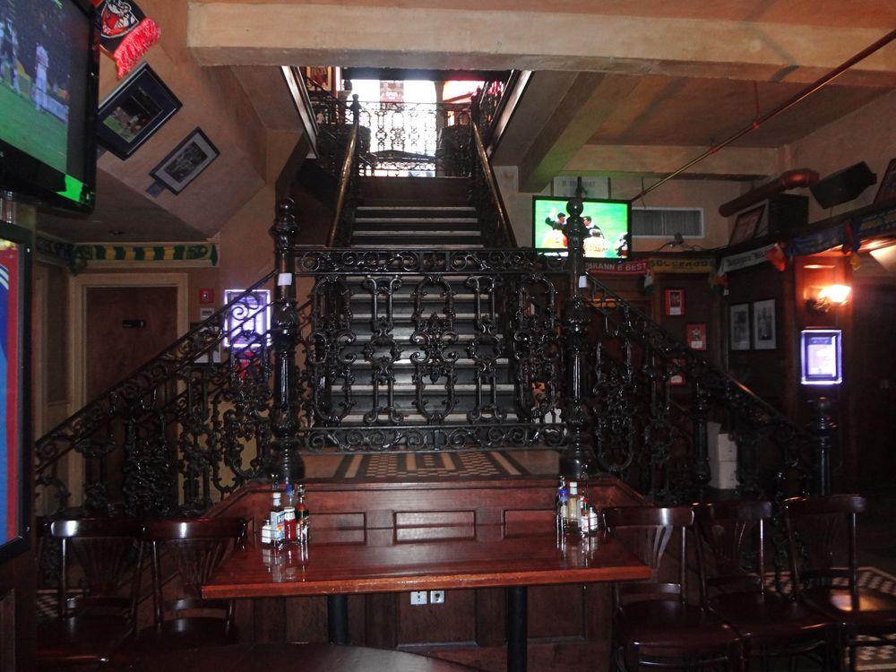 Bar 140