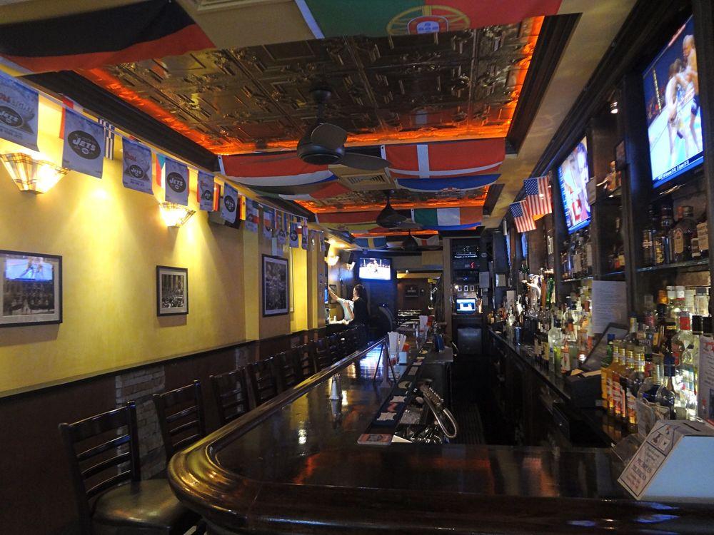 Bar 138