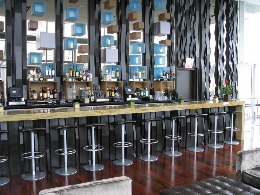Bar 121
