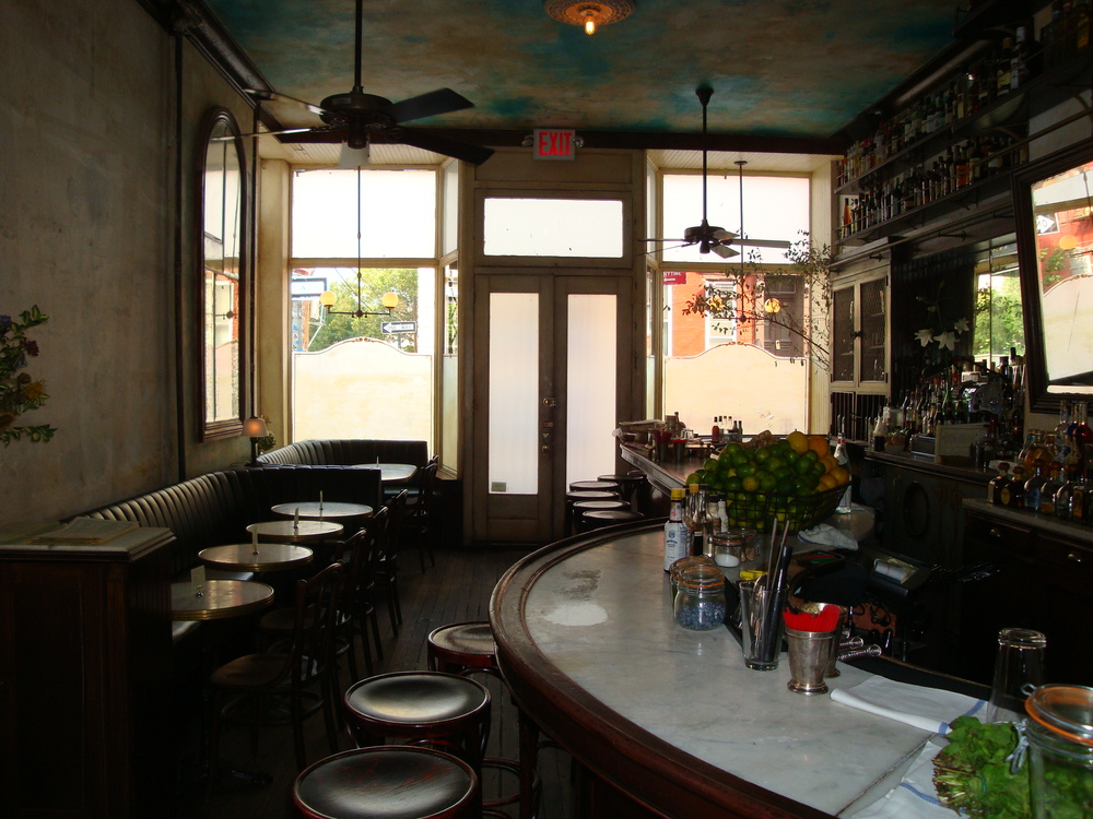 Bar 104
