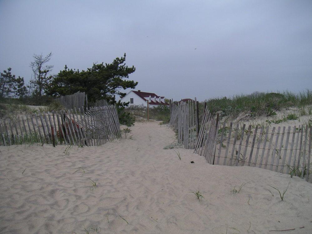 BEACH 2-06.JPG