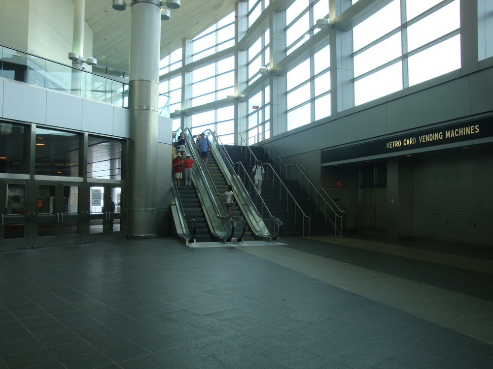 ESCALATOR 6-01.JPG